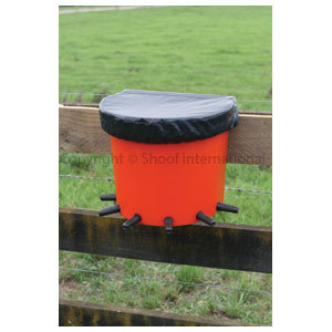Calf Feeder Rail Bucket 6-Place cpt